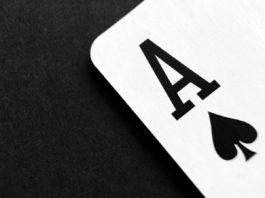 ás de espadas poker